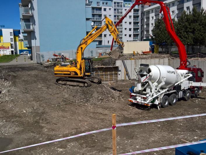 Výstavba Live center